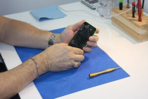 The Benefits Of Phone Repair Services